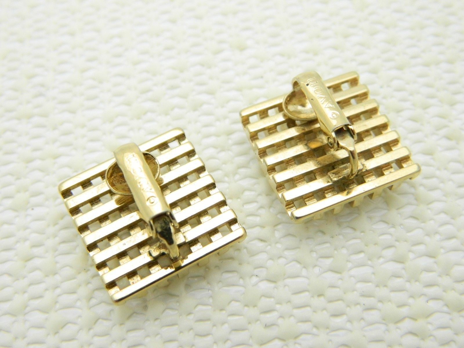 VTG Beautiful Pair of AVON Signed Gold Tone Open Work Square Clip Earrings