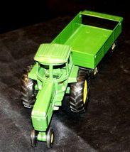 Ertl John Deere replica die-cast tractor with wagon AA19-1639 Vintage image 3