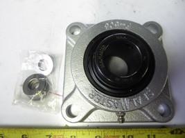 "SealMaster SF-20C CR Flange-Mount Ball Bearing Unit Four-Bolt  1-1/4"" 723541 image 1"