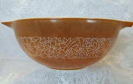 Pyrex Mixing Bowl, Woodland Pattern, Model 443, 2.5L - $12.00