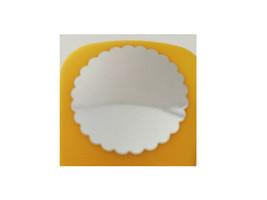 Marvy Uchida Scalloped Circle Punch, 1.5 Inches image 2
