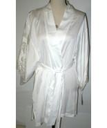 NWT New Designer Natori Short Wrap Robe Womens L Silky Satin Flowers Whi... - $162.50