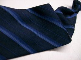 GEOFFREY BEENE  Blue on Blue STRIPE  SILK Necktie  s 8^511 1217 - $9.99
