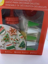 Wilton Cookie Decorating Kit - NEW - $9.66