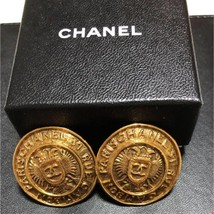 Authentic CHANEL Vintage Gold Logo Clip Earrings Coco HCE158 - $406.30