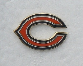 CHICAGO BEARS free shipping METAL RARE NFL FOOTBALL LOGO HAT CAP JERSEY PIN - $10.32