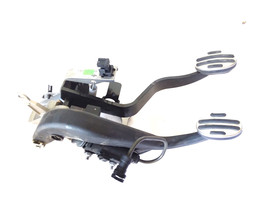 2007-2015 Mini Cooper R55 R56 R57 Brake and Clutch Pedal Assembly 677061... - $70.13