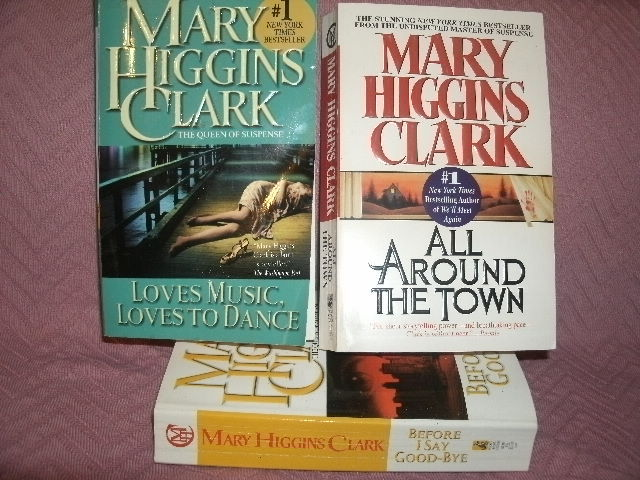 Primary image for Lot of 3 Mary Higgins Clark All Around the Town; Loves Music