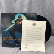 """Neil Young Muestra Y Hold 12"""" Simple 20105-0A 1982 Geffen Record Carta D... - £41.11 GBP"""