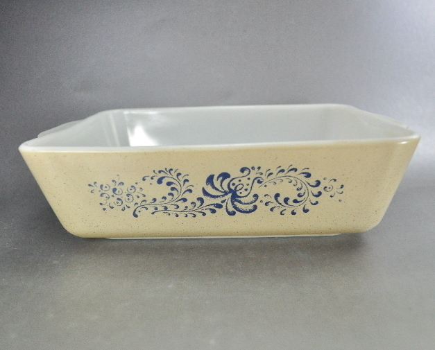Pyrex Homestead Rectangular 6X8 Covered Casserole Glass 503