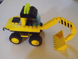 LEGO City Center Wheeled Front Shovel Construction Set # 6474 w/ 1 minif... - $10.00