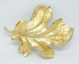 Coro 1940s Matte Gold Tone Large Heavy Leaf Pin Brooch Vintage - $29.69