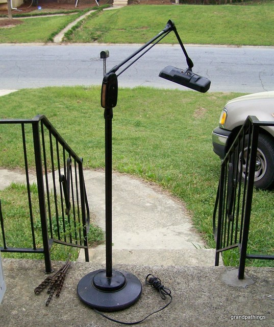 dazor floor stand floating fixture arm magnifier magnifying lamp. Black Bedroom Furniture Sets. Home Design Ideas