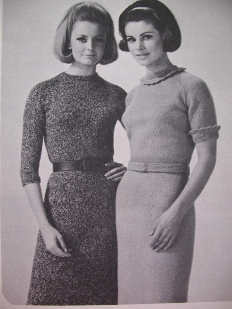 Vintage Patons Raglan Knitting Patterns Sweaters Dresses image 2