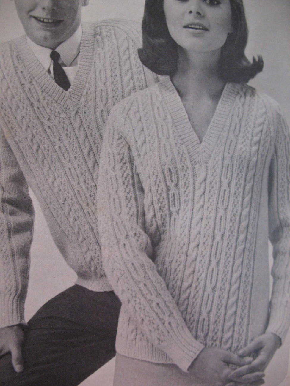 Vintage Patons Raglan Knitting Patterns Sweaters Dresses image 3