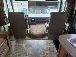 2013 Fleetwood Bounder Classic 34B FOR SALE IN Cartersville, Georgia 30120 image 5