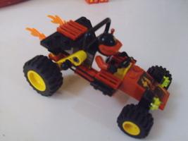 LEGO City / Town Scorpion Buggy Set 6602 car, minifigure & instruction manual image 2