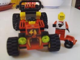 LEGO City / Town Scorpion Buggy Set 6602 car, minifigure & instruction manual image 3