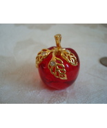Lucite Apple Pendant ~ Nice - $8.00