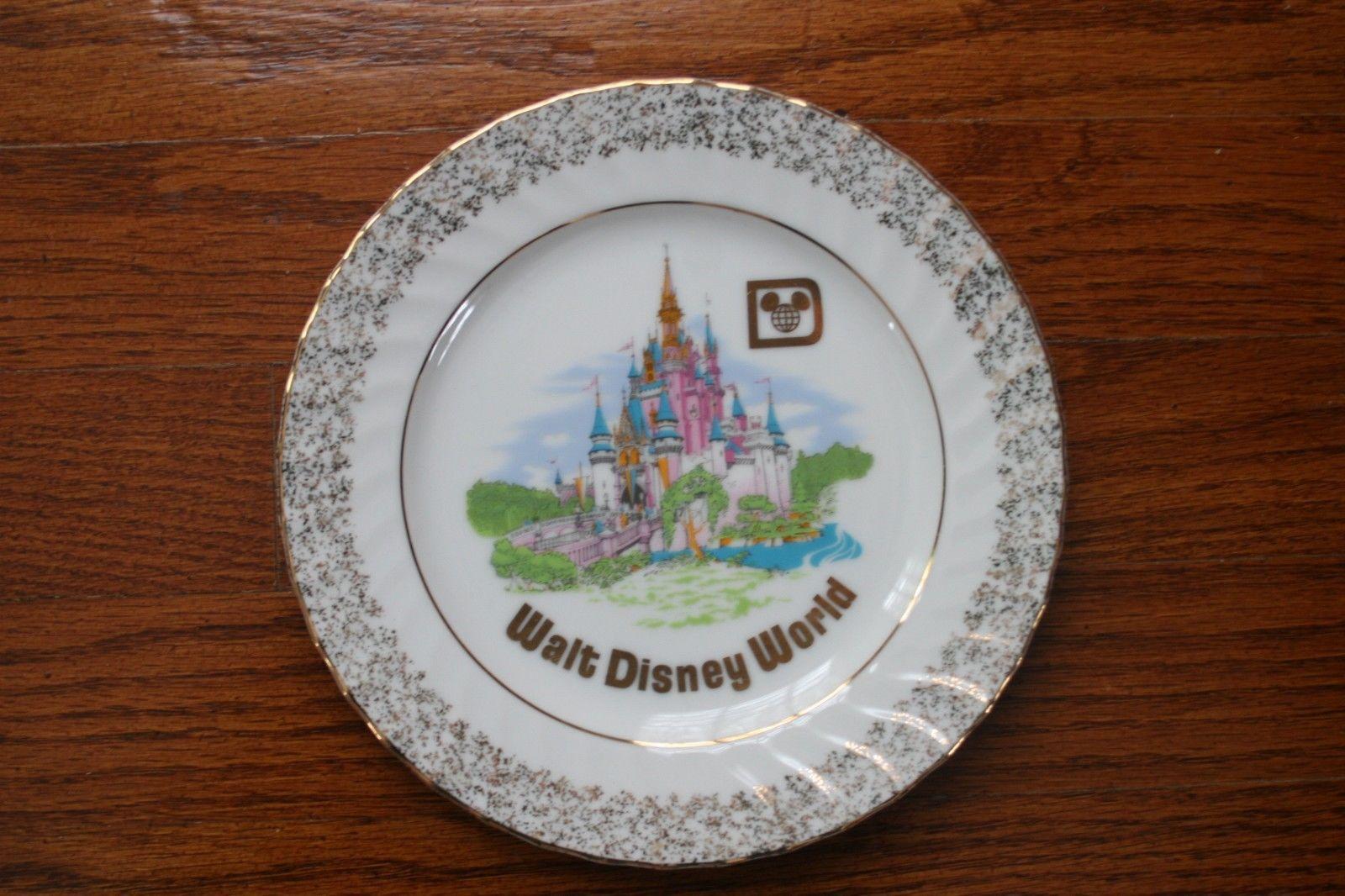 Vintage Walt Disney World Souvenir Plate Cinderella's Castle Made in Japan 7 1/2