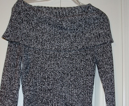 Gray Sweater size small image 3