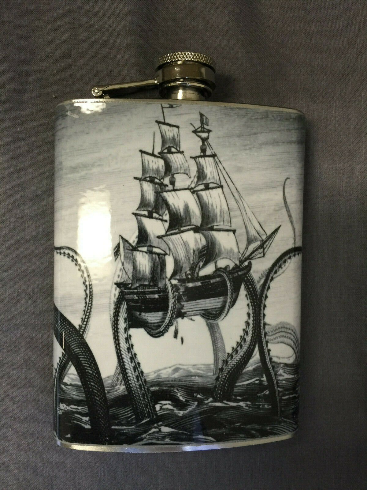 Octopus Kraken Attack Flask 8oz Stainless Steel Drinking Whiskey Clearance item