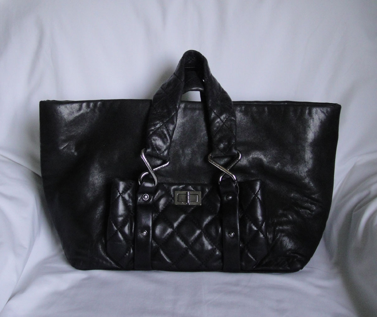 Primary image for AUTHENTIC Black Chanel Lambskin 8 knots tote