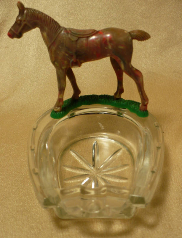 Vintage Lucky Press Cut Glass Horseshoe Horse Ash Tray image 2