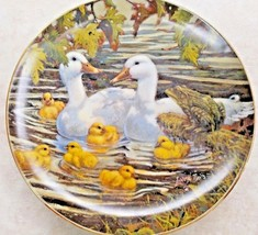 """Lowell Davis Collector Plate """"Bustin With Pride"""" Duck Family Big Green Frog - $16.36"""