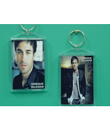 Enrique Iglesias 2 Photo Designer Collectible K... - $9.95