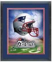 "11"" x 14"" Framed & Matted NE Patriots Officially Licensed Helmet Logo Ph... - $836,92 MXN"