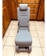 Middle Seat Center Seat Jump seat 2021 Honda Odyssey Light Gray Leather - $434.61