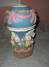 Estate Music Box Easter Bunnies Hot Air Balloon Easter Parade - $45.00
