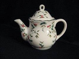 PFALTZGRAFF WINTERBERRY SCULPTED TEAPOT WITH LID - $28.98