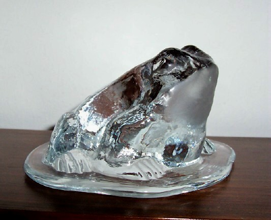 VIKING  ART GLASS  TOAD FROG ON LILY PAD PAPERWEIGHT