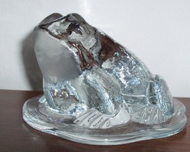 VIKING  ART GLASS  TOAD FROG ON LILY PAD PAPERWEIGHT image 2