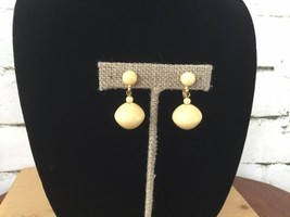 Vintage Clip On Earrings Dangle Cream Gold Toned Accents - $9.89