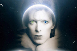 The Man Who Fell to Earth David Bowie Iconic Art Green Blue Alien Eyes 24x18 Pos - $23.99