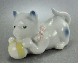 Vintage White Cat Blue Spots Yellow Ball Red Bow Ceramic - $7.00