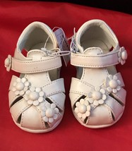 NWT Circo White Infant Flower Sandals Velcro Closure Aloma Size 2 - $6.80