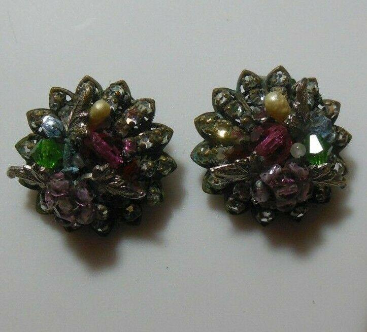 Vintage DeMario Faceted Rhinestone Floral Leaves Filigree Clip-on Earrings