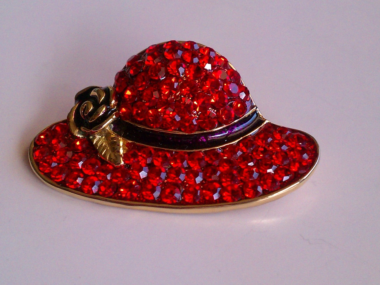Scarlett Ohara Red Hat Brooch Pin