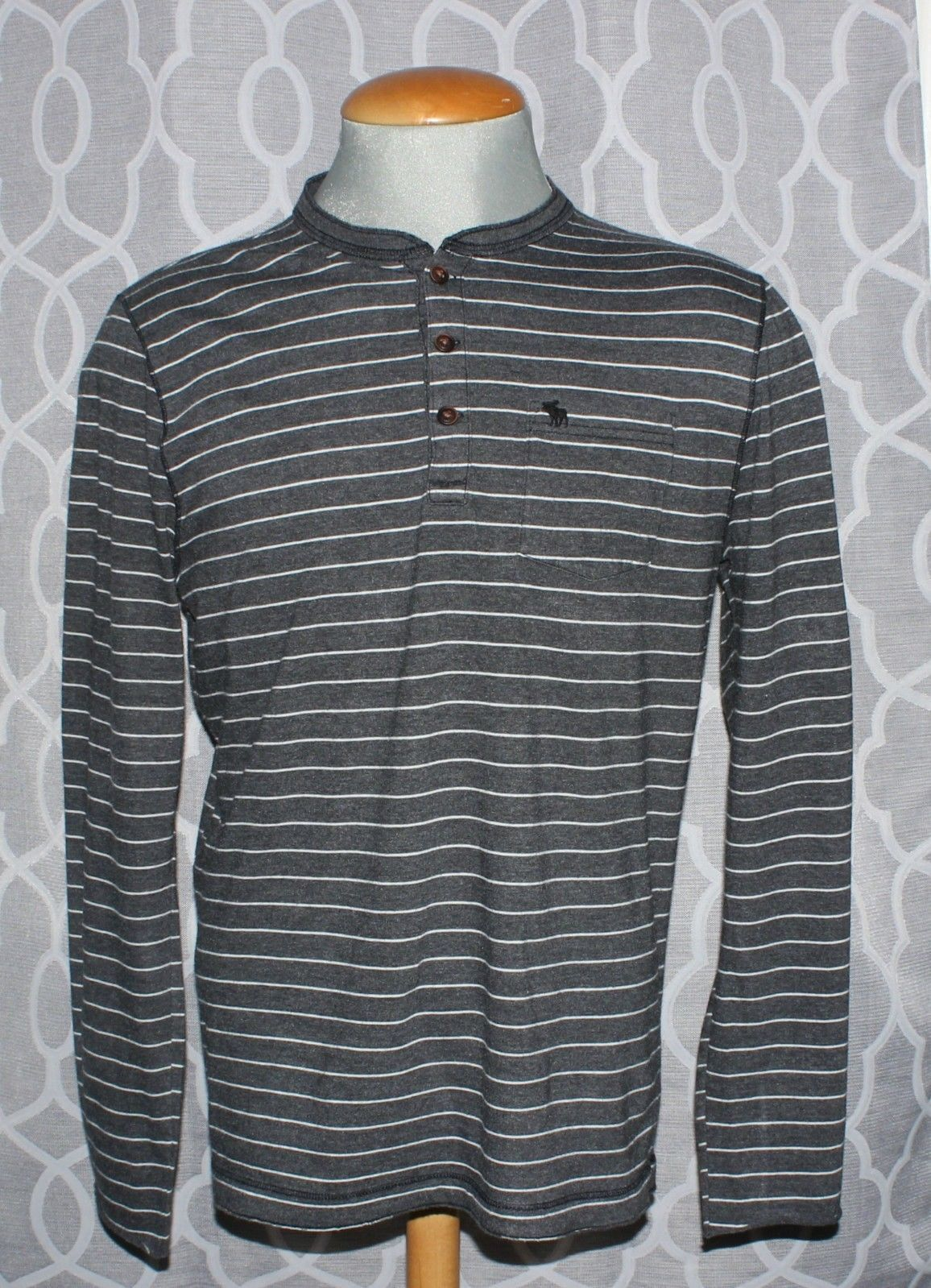 Abercrombie & Fitch Gray Striped Long Sleeve Casual Muscle Shirt Men's Size L