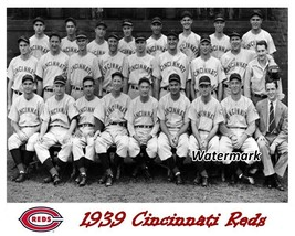 MLB 1939 Cincinnati Reds Team Picture Black & White 8 X 10 Photo Picture - $6.99