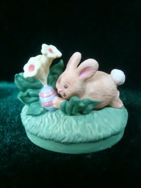 Hallmark Merry Miniatures Easter Egg Hunt Bunny Figurine