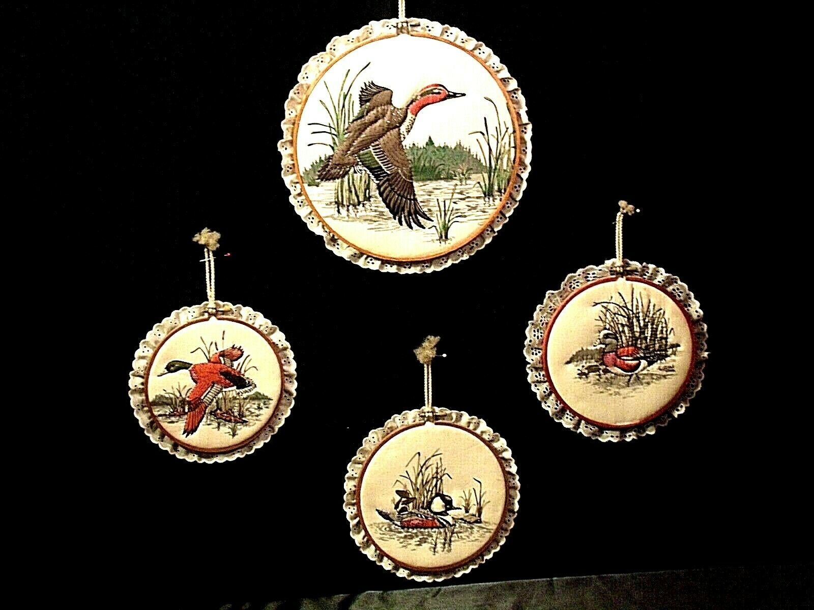 4 hanging embroidery images of ducks.AA19-1454 Vintage