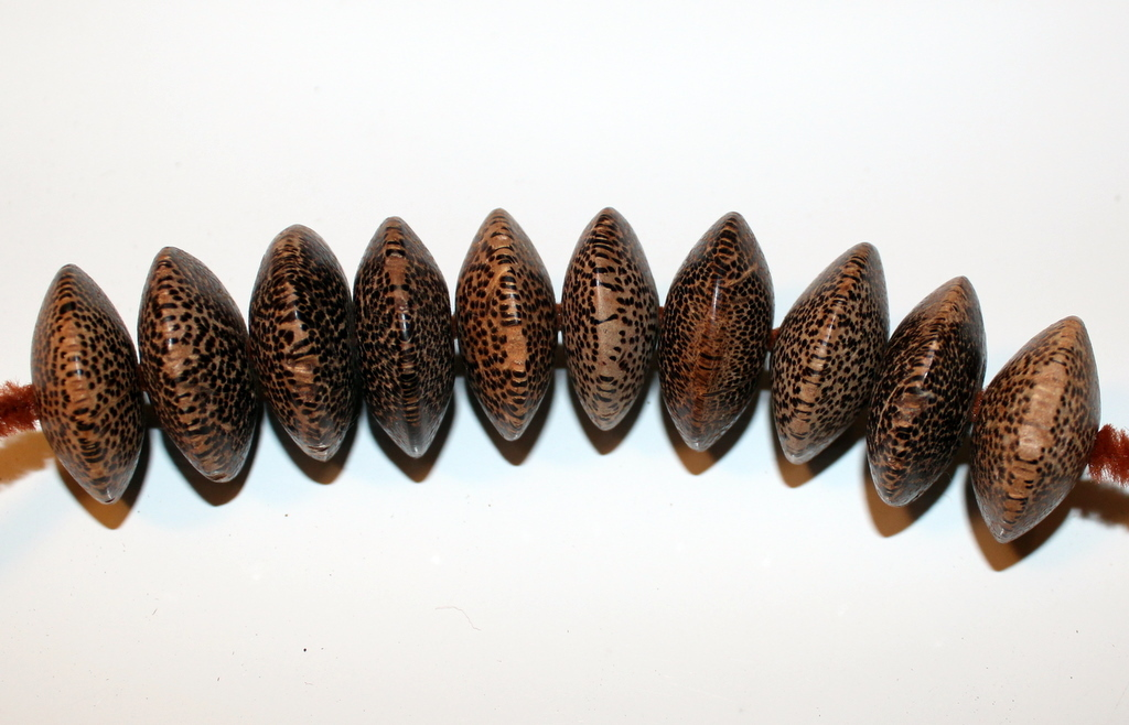 """WOOD JEWELRY BEADS PACKAGE OF 10 WOODEN DISCS 1 1/4"""" X 1/2"""""""