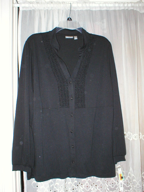 NW0T 1X black  RUFFLE FRONT KNIT BLOUSE APT. 9