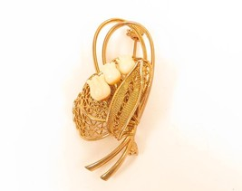 Vintage Filigree Sweet Cream White Tulips Gold Toned Floral Brooch Pin*F227 - $22.76