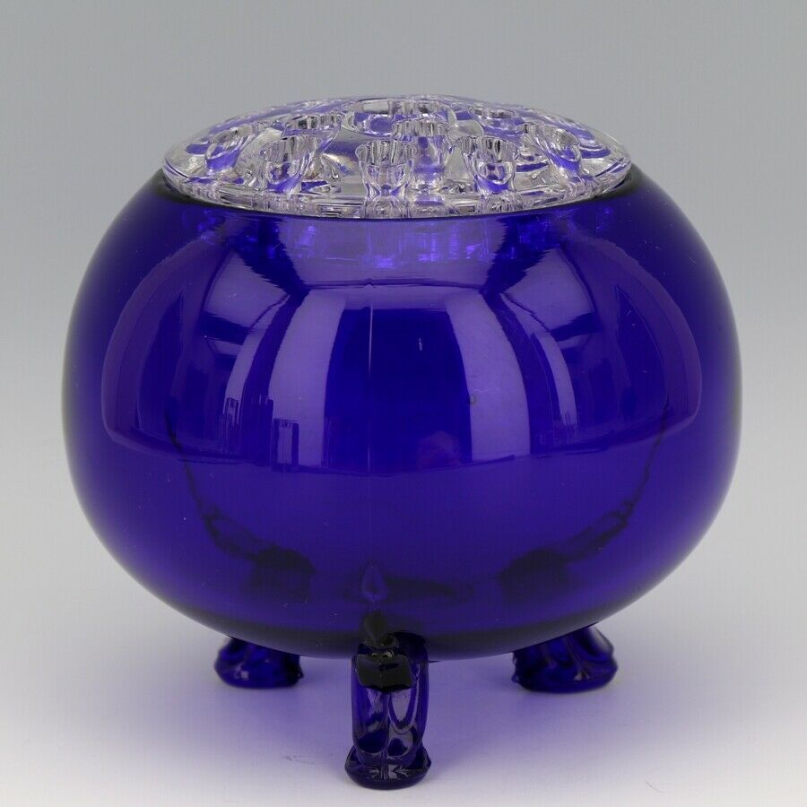 Scarce Viking 1014 Large Cobalt Blue Flowerlite with Crystal Frog